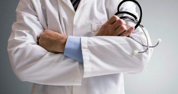 Cắt bao quy đầu - Cách điều trị giảm phù nề
